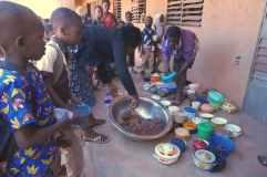 La cantine de l'école Sig Noghin B à l'heure du repas